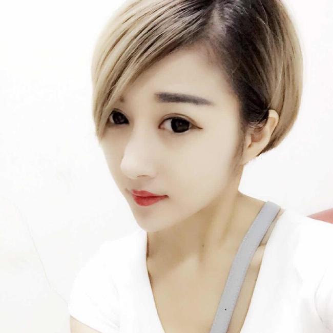短发女生照片图片