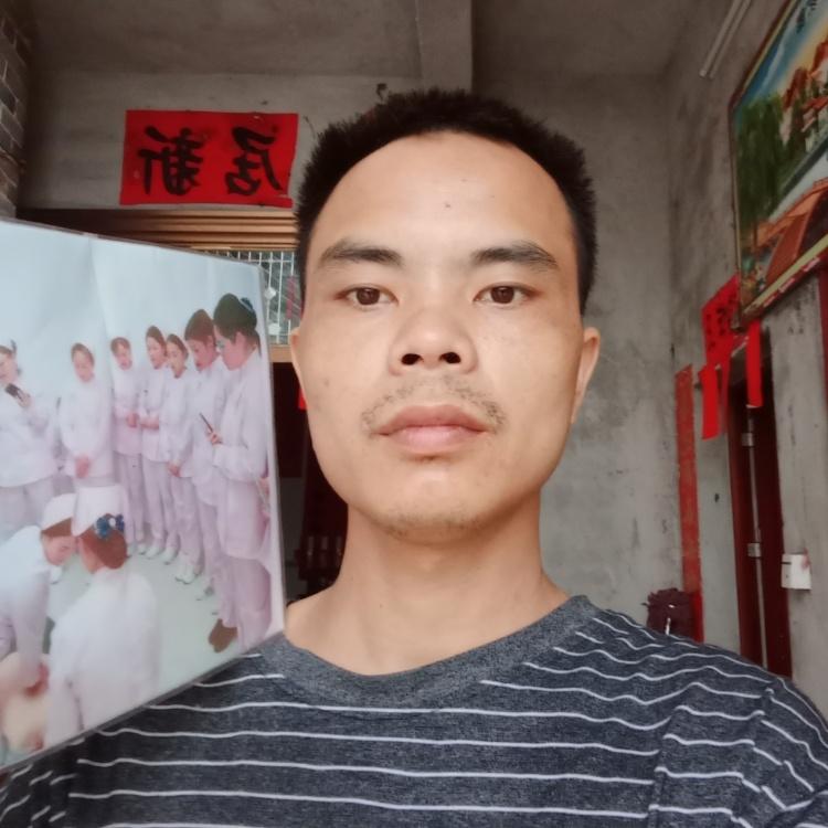 容县卫校姚中秀