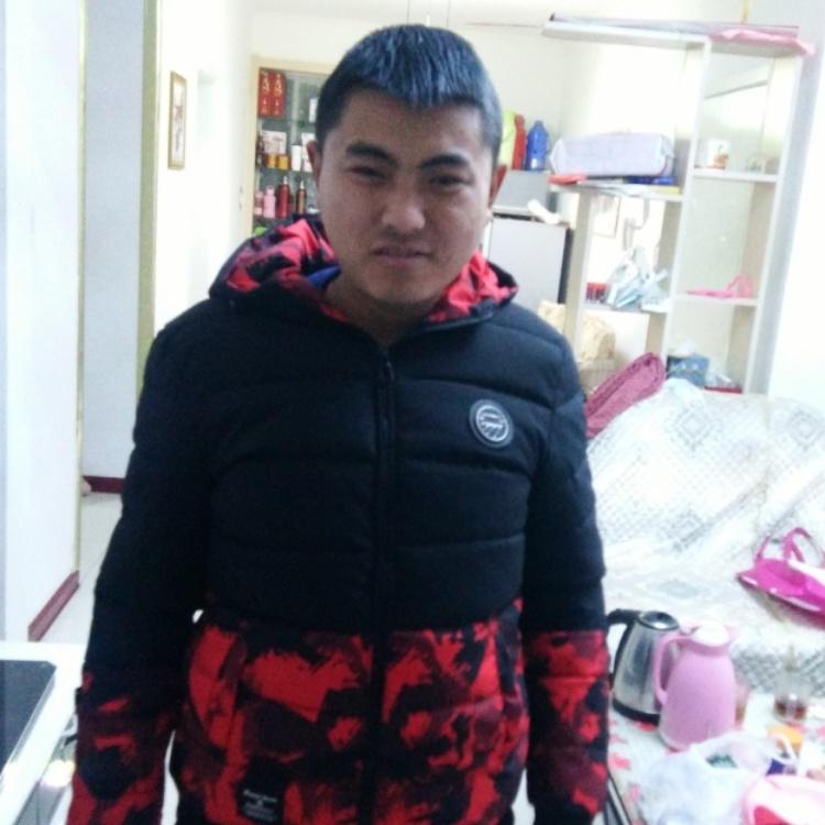 张磊磊今年25岁