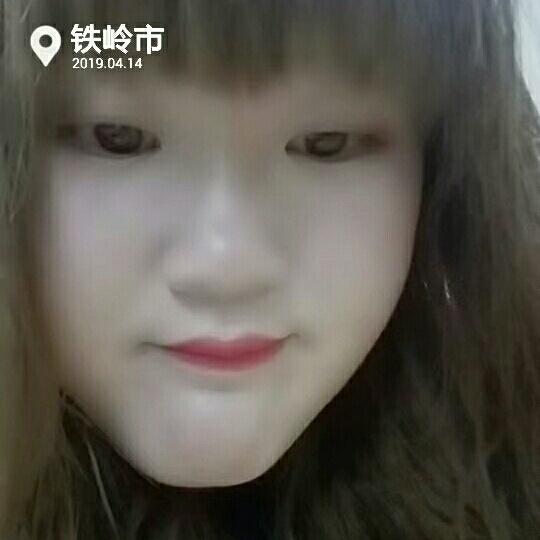 爱笑的胖女孩